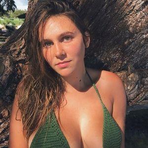 Emma roberts naked deleted scenes porn tube